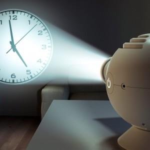 https://www.naturalsmell.es/1019-2158-thickbox/-reloj-proyector-geyser-.jpg